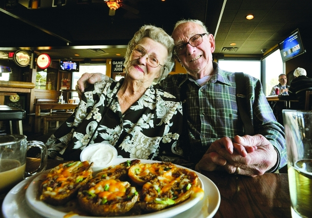 Zoe and Bob sit in a pub for lunch. Photo: Ian Smith, The Province