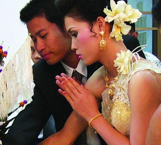 "A ""wai"" in Thai culture Photo: public domain"