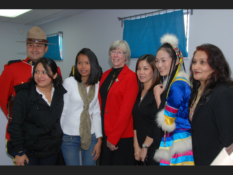 Constable Lenin Cruz , Adilia Tixal , Rasri Wood , Her Honour Judith Guichon, Thuy Chi Choi Nguyen, Angela (Qing Li) Wu, Kiran Sharma. Photo: Provided by the Office of the Lieutenant Governor