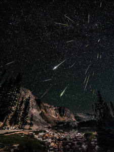 Meteor shower Photo by David Kingham/CC, Flickr